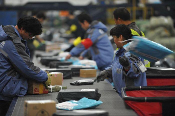 Inside Chinese Postal Service (28 pics)