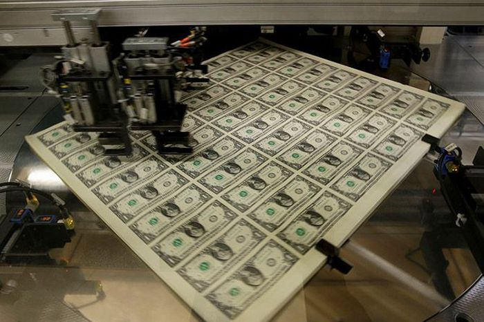 An Inside Look At How American Currency Is Printed (16 pics)