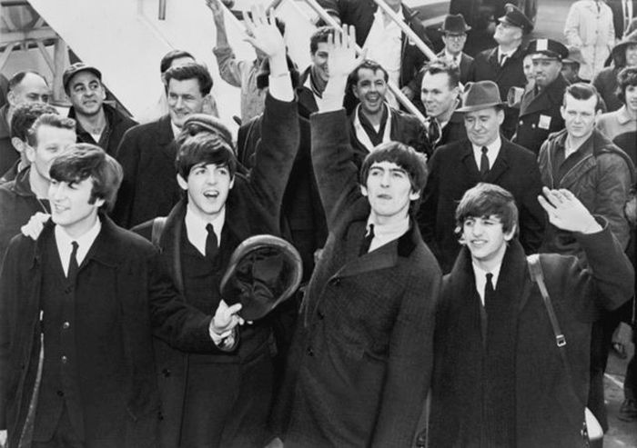The Top Selling Music Artists Of All Time (25 pics)