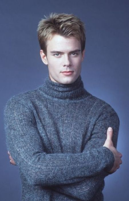 Early Modeling Pics Of Your Favorite Celebrities (31 pics)