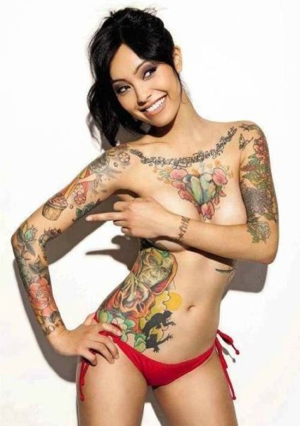 Beautiful Women With Beautiful Tattoos (62 pics)
