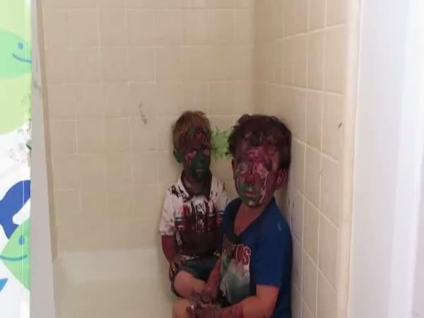 Kids Get Paint All Over Their Faces