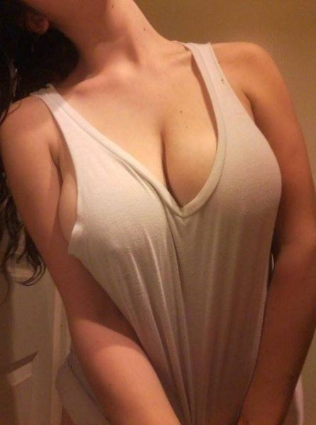 Girls Got Boobs (61 pics)