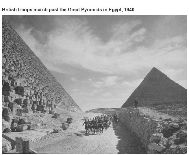 Amazing Moments From History Captured In Photographs (18 pics)