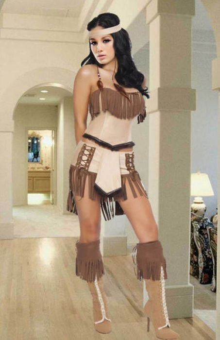 Girls Dressed in Hot Native American Outfits (37 pics)
