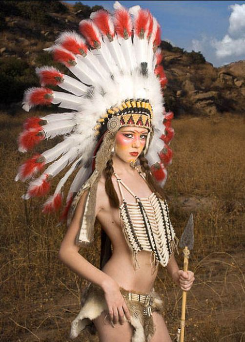 Girls Dressed In Hot Native American Outfits 37 Pics-7096