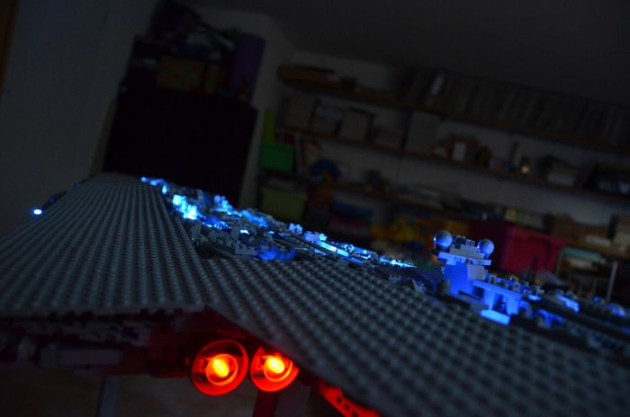 Amazing Star Wars Replica Built With LEGOS (6 pics)