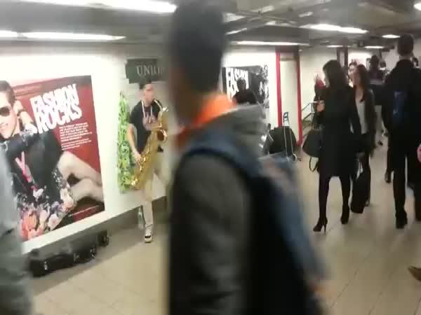 Good Music At New York Subway