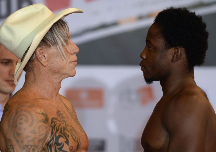 Mickey Rourke Is 62 And He Beat Up A 29 Year Old Boxer (13 pics)