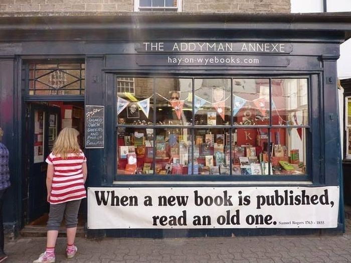 This Is The Best Bookstore Ever (15 pics)