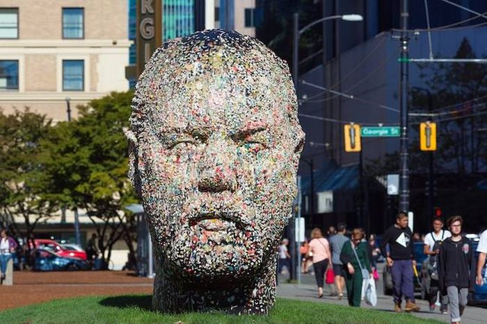 You Can Do Something Special With This Statue (7 pics)
