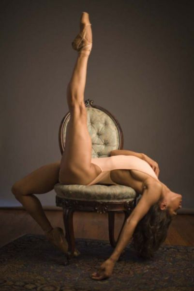 These Girls Make Flexibility Look Good (42 pics)