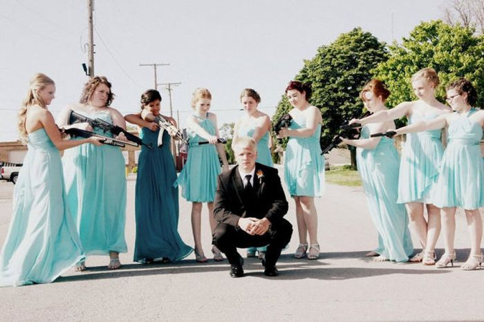 Funny And Awkward Wedding Photos (42 pics)