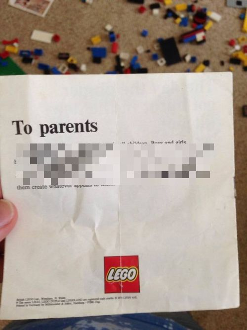 LEGO Sent A Very Powerful Message To Parents In The 70s (2 pics)
