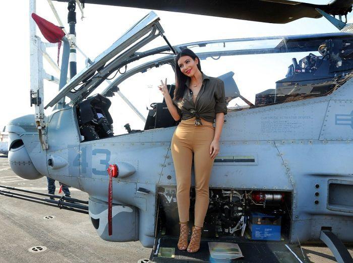 Kim Kardashian Visits Soldiers In Abu Dhabi (28 pics)