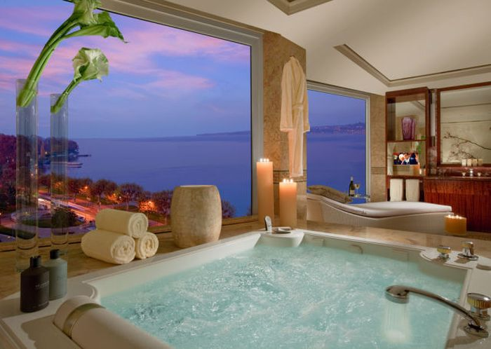 An Inside Look At The World's Most Luxurious Hotel Suite (16 pics)