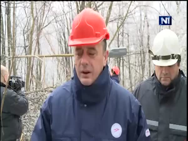 Serbian Minister Aleksandar Antic With Huge Ice Chunk Live On TV