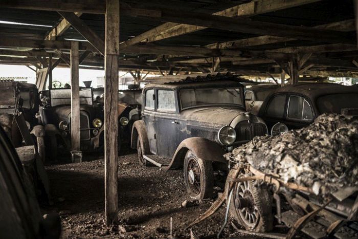 This Place Is A Graveyard For Vintage Cars (21 pics)