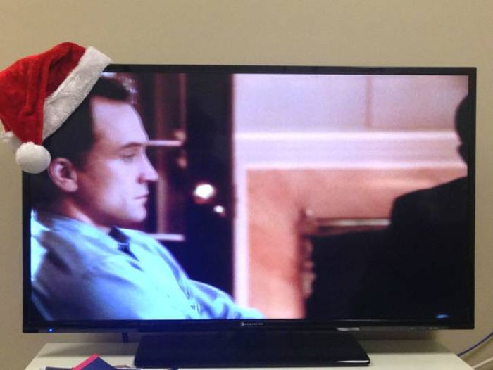 Put A Santa Hat On The Corner Of A TV And You Have A Drinking Game (8 pics)