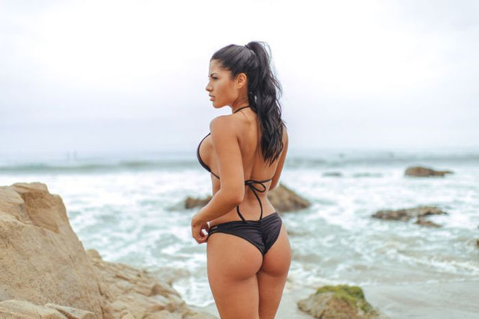 There's Just Nothing Bad About Hot Girls In Bikinis (51 pics)