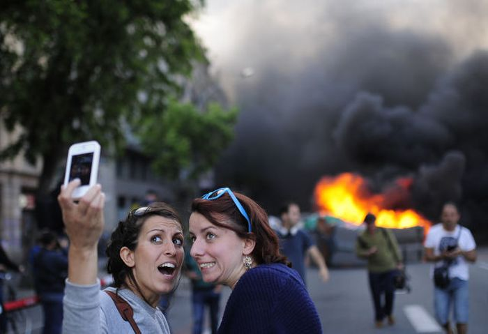 The World Is Truly Obsessed With Selfies (66 pics)