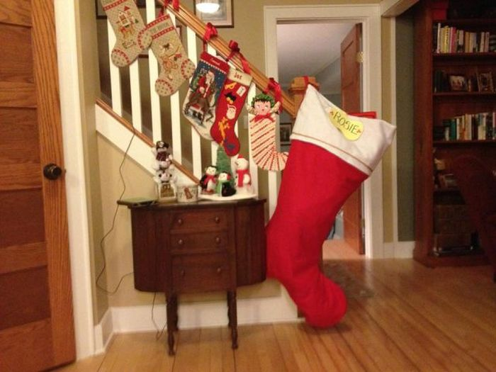 These People Are Definitely Taking Christmas Cheer Way Too Far (45 pics)