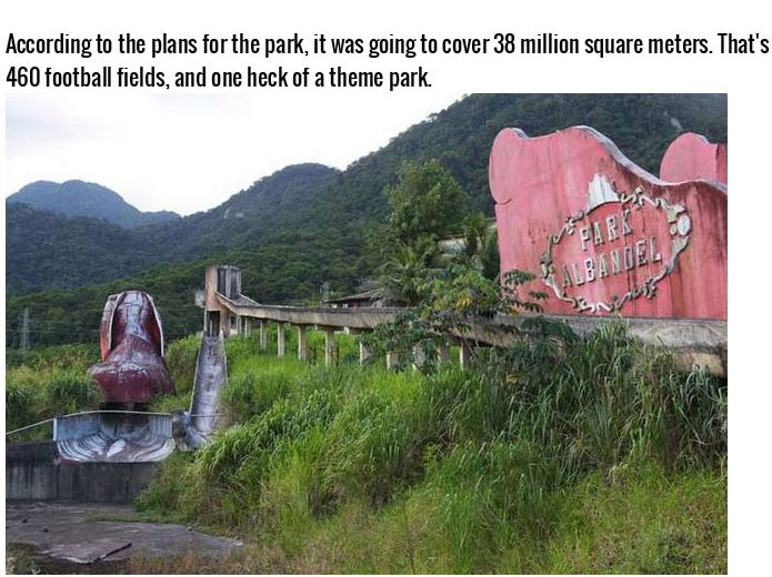 Christmas Theme Parks That Failed So Hard (15 pics)