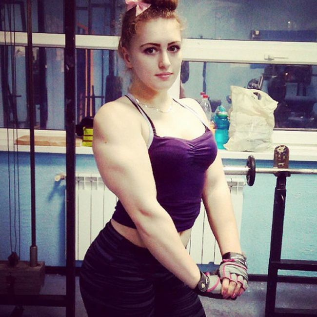 This Girl Has A Face Like Barbie And A Body Like The Hulk (31 pics)