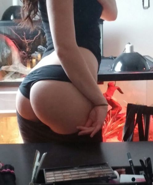 This Is The Kind Of Booty Call You Want To Get (67 pics)