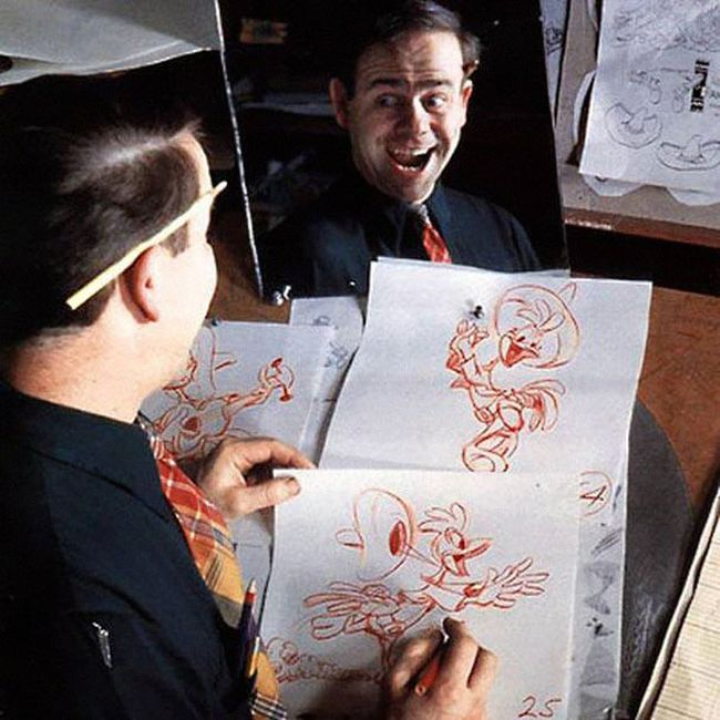 Disney Animators Using Their Reflections To Draw Their Characters (12 pics)