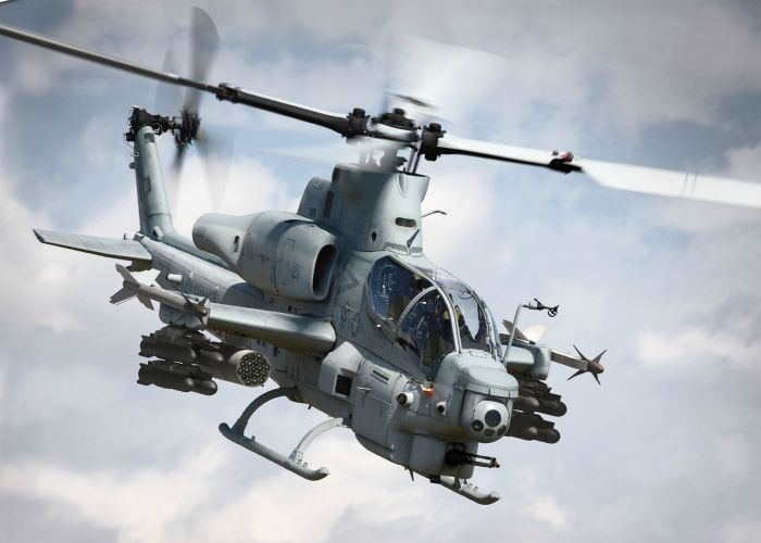 Epic Shots Of Airplanes And Helicopters In Action (50 pics)
