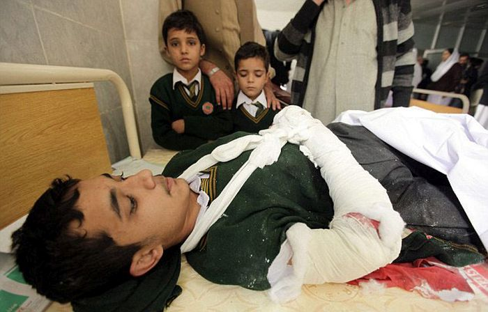 Taliban Fighters Attack Innocent School Children In Pakistan (31 pics)