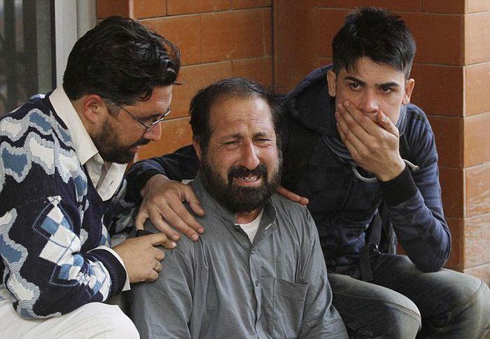 Taliban Fighters Attack Innocent School Children In Pakistan (31 pics)