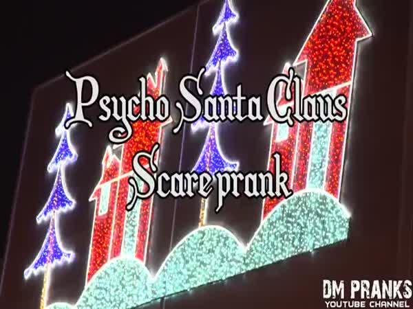 Psycho Santa Claus Scare Prank