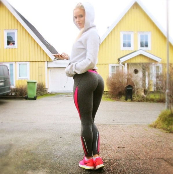 yoga pants of Pictures girls in
