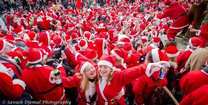 SantaCon 2014 Is One Wild Party (58 pics)