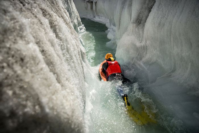 Glacial Hydro Speeding Is Extreme (10 pics)