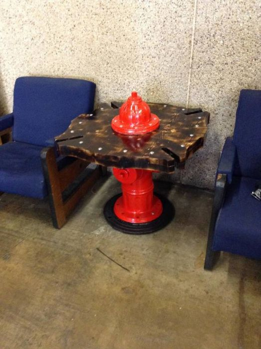 Turning A Fire Hydrant Into A Table  (11 pics)