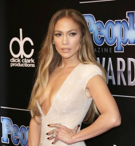 Jennifer Lopez Stuns At The People Magazine Awards (7 pics)