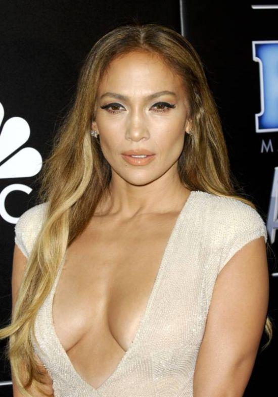 Jennifer Lopez Stuns At The People Magazine Awards (7 pics)