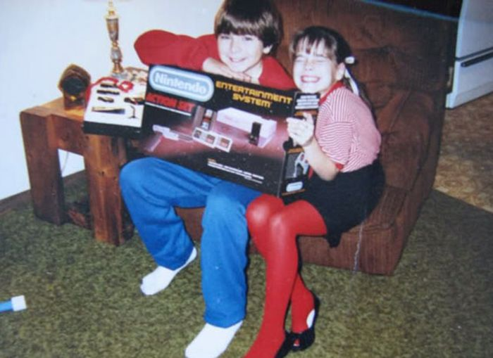 The Joy Of Getting Video Games For Christmas (34 pics)