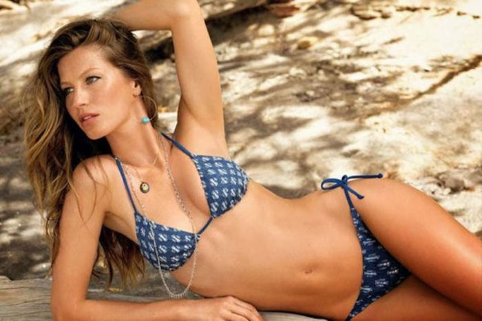 Hot Girls of NFL Superstars (24 pics)