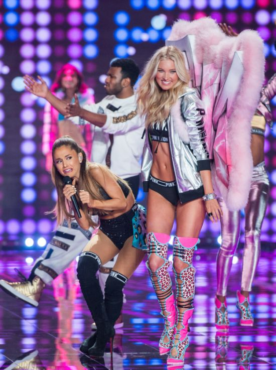 The Weirdest Celebrity Moments Of 2014 (68 pics)