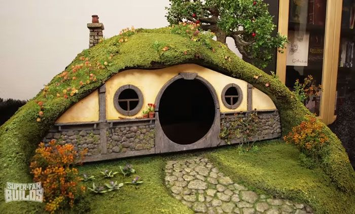 This Lord Of The Rings Litter Box Is A Cat's Dream Come True (16 pics)