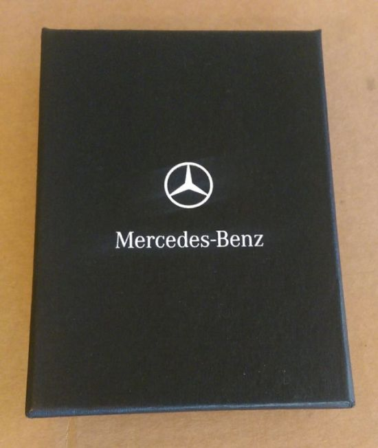 This Guy Made His Girlfriend Think She Was Getting A Mercedes For Xmas (3 pics)