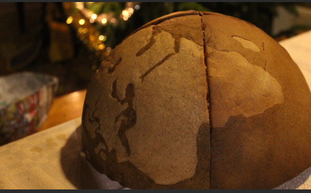 How To Make A Gingerbread Globe (11 pics)