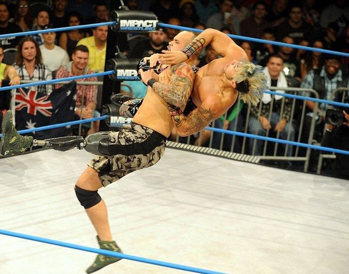 Christopher Melendez Is A Wrestler With A Prosthetic Leg (6 pics)