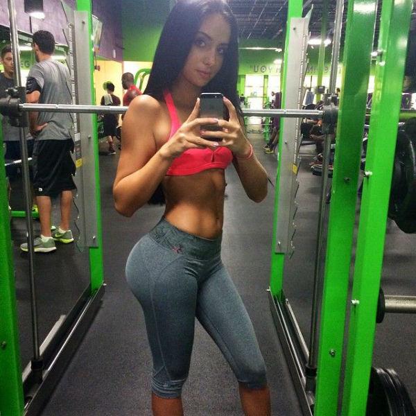 Sexy Sporting Girls (49 pics)