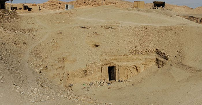 Archaeologists Uncover The Mythical Tomb Of Osiris In Egypt (7 pics)