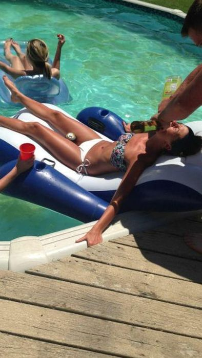 Hilarious Drunk and Wasted People (55 pics)